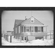 Brick_desgn_tar_paper_house