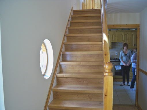 8827 Laminate Stairs