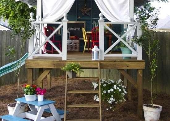 Backyard playhouse diy playhouse 8 inventive ideas for Diy kids outdoor playhouse