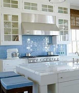 Subwaytileoutlet-sky-blue-glass-kitchen-backsplash