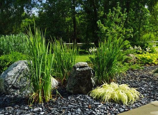7 gravel landscaping ideas bob vila for Blue slate garden designs