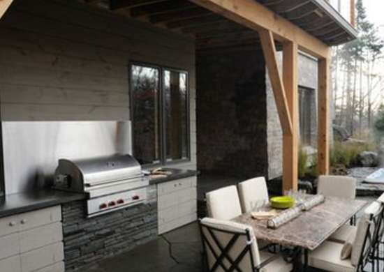 Hgtv.com 01 dh2011 terrace table grill hot tub s4x3 lg 400x462