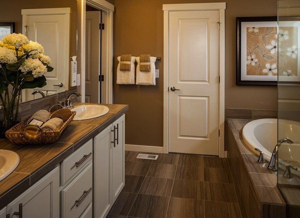 Bathroom remodels interior design trends 2015 most for Most popular bathroom renovations