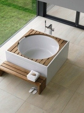 Duravit blue moon tub bob vila bathroom 20111123 36322 jb8em3 0