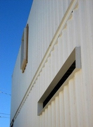 Demaria-redondo-beach-container-house-side-detail