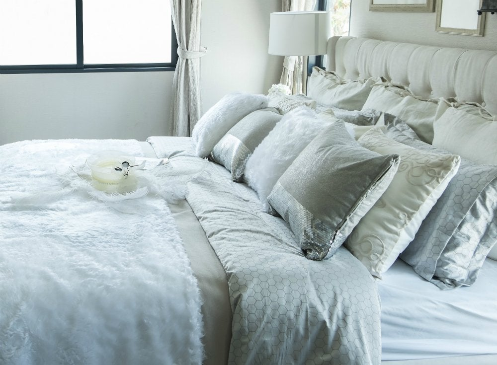Bedroom essentials 11 items to lose for a good night 39 s for How big are king size pillows
