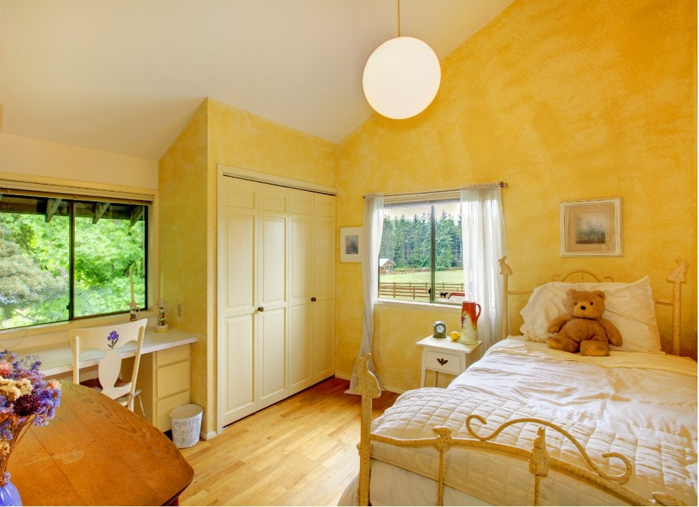 Yellow bedroom kids room paint ideas 7 bright choices for Yellow painted rooms