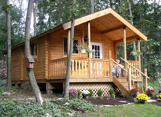 Log cabin kits 8 you can buy and build bob vila for Beach cabin kits
