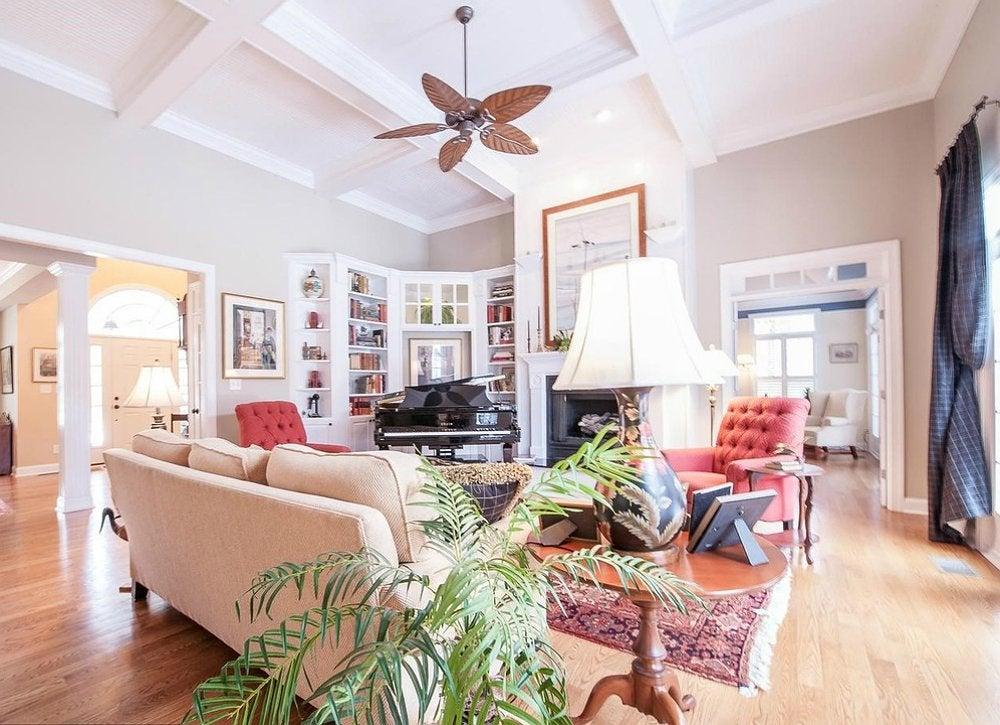 Beige pink living room