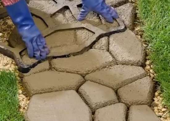 Diy-concrete-walkway