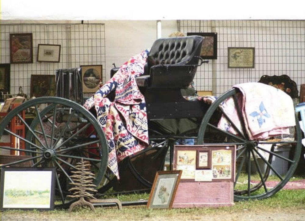Brimfield antique and collectibles show flea markets for Brimfield flea market