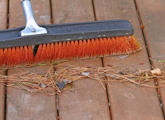 Sweeping_the_deck