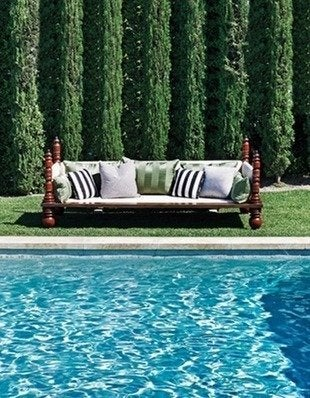 Elledecor ellen pompao celebrity pool