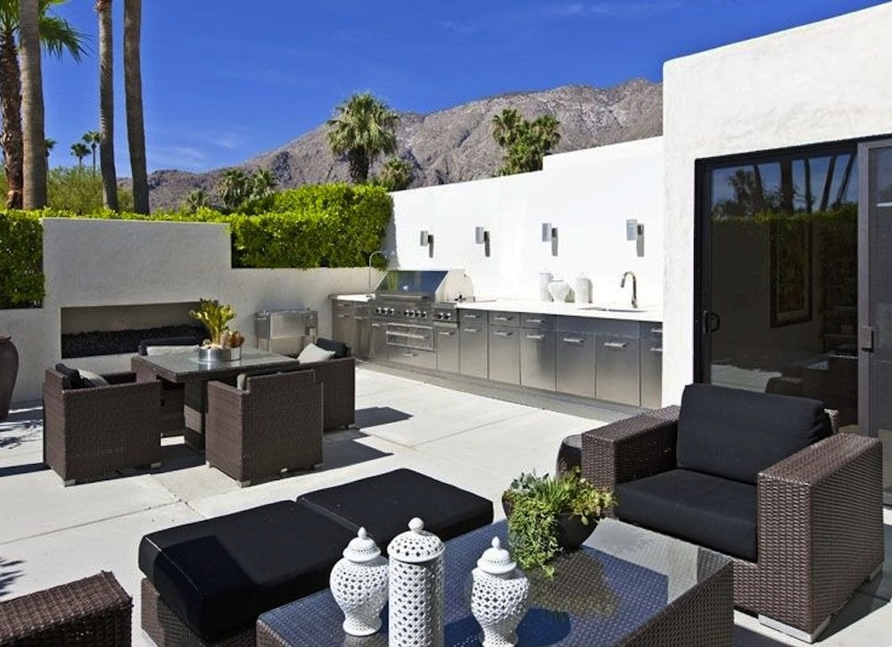 Contemporary outdoor kitchen outdoor kitchen ideas 10 for Design your outdoor kitchen