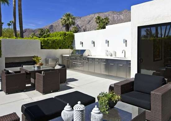 Contemporary_outdoor_kitchen