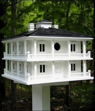 Yardenvy-club-house-birdhouse