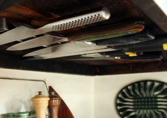 Knife rack under cabinet