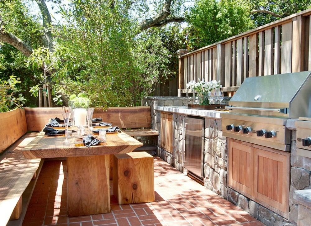 Natural elements in outdoor kitchen outdoor kitchen for Backyard kitchen design ideas