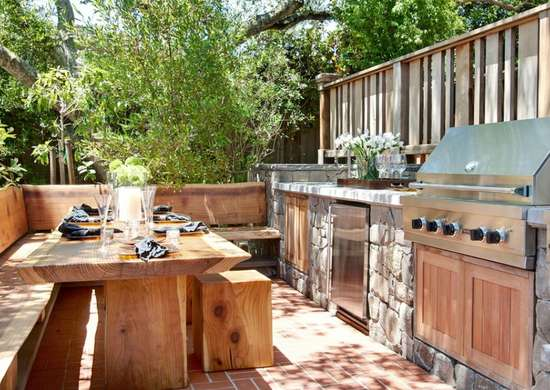 Mixed_materials_outdoor_kitchen