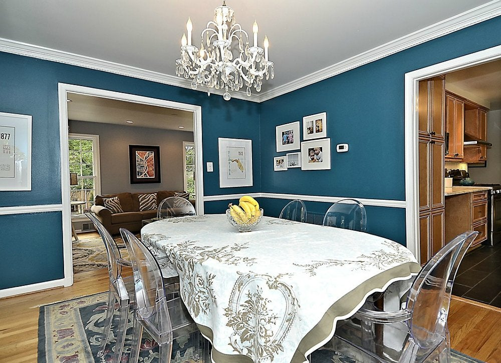 navy blue dining room - room color ideas - 10 mistakes to avoid