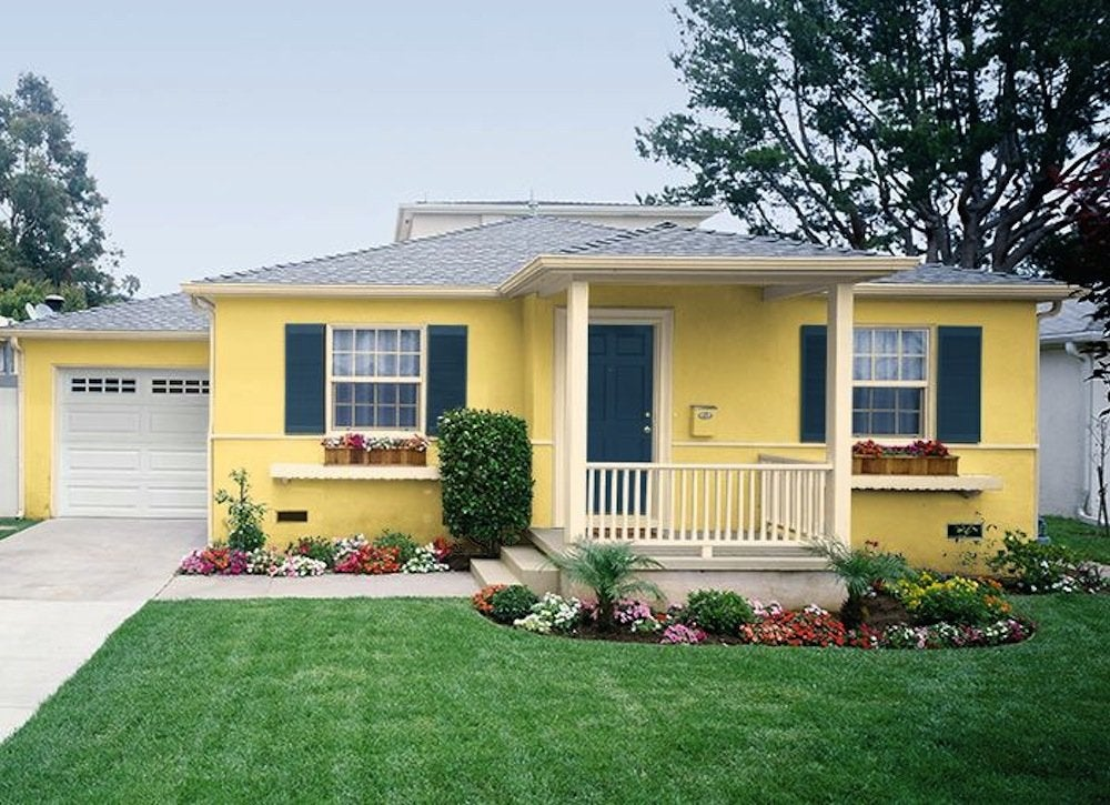 The Eal Of Yellow Homes Is Easy To Understand They Simply Capture A Joyful Charm That Few Exterior Colors Can Rival What S More This Versatile Color