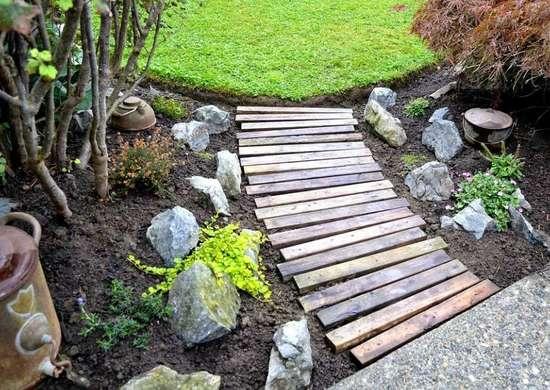Pallet walkway diy