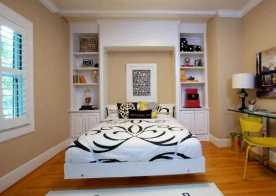 Dining_room_turned_bedroom