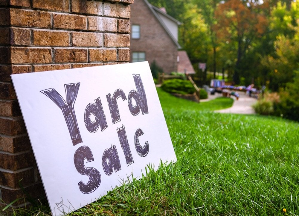 Yard_sale_sign
