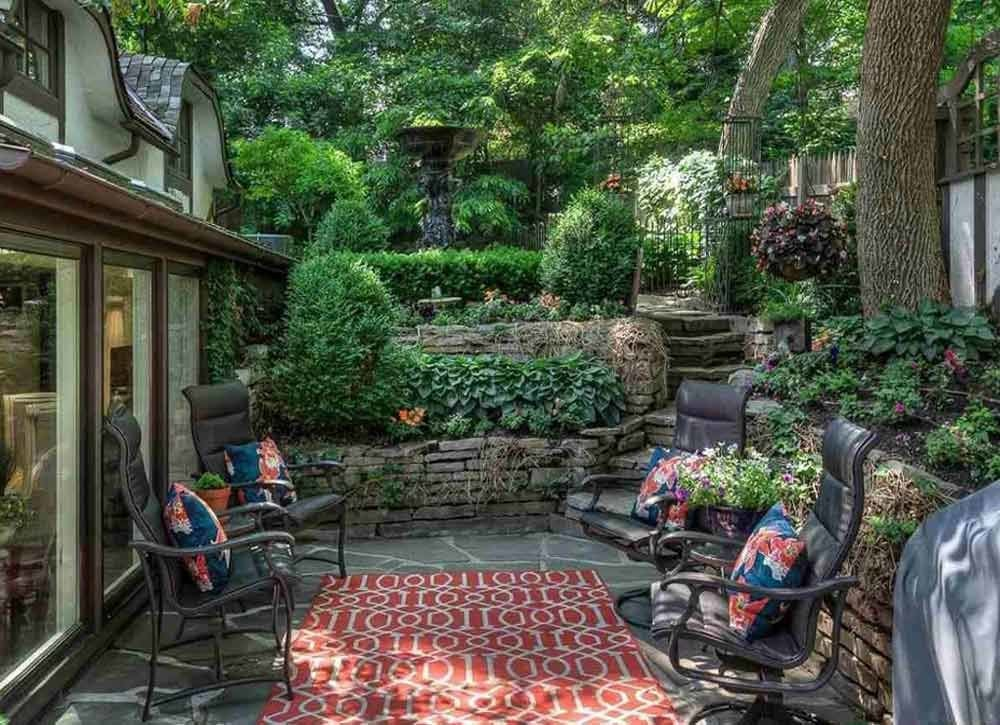 Small backyard landscaping ideas backyard privacy ideas for Small backyard privacy ideas