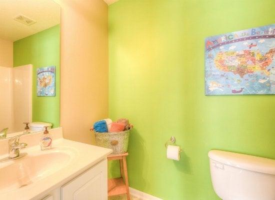 Bathroom color ideas kids bathroom ideas 8 fresh designs bob vila - Refreshingly bright bathroom ideas colorful decorations ...