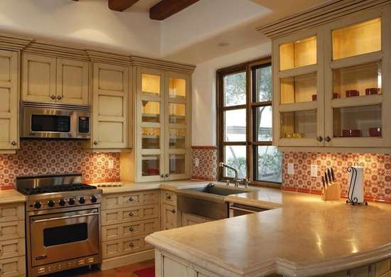 Distressed_kitchen_cabinets