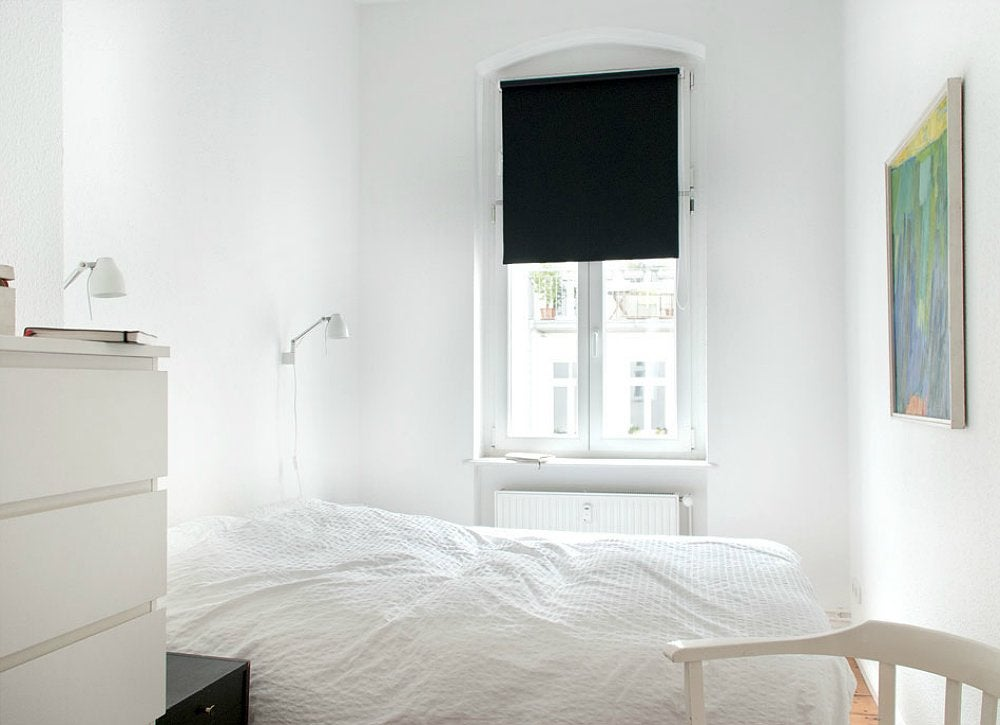 White bedroom white walls 7 things you need to know for Things to paint on your wall