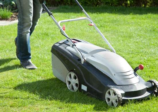 How to Mow Lawn