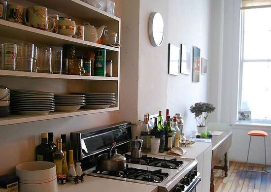 Open_shelving_kitchen