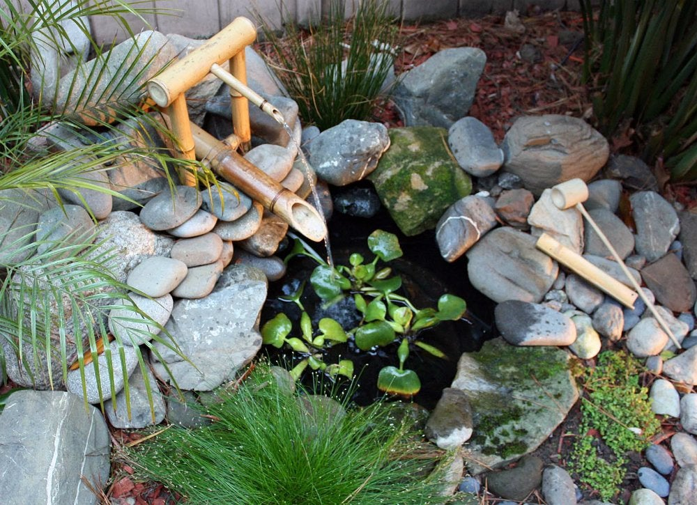 Diy bamboo fountain diy fountain ideas 10 creative for Japanese bamboo water feature