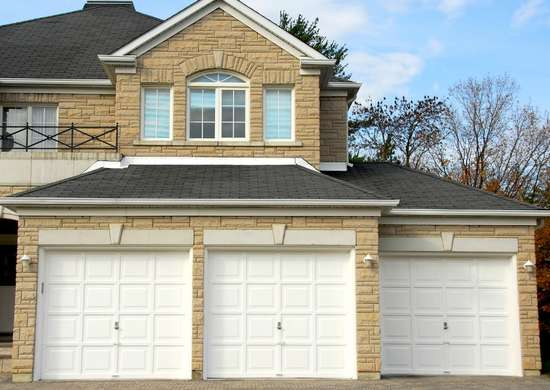 How to Clean Garage Doors