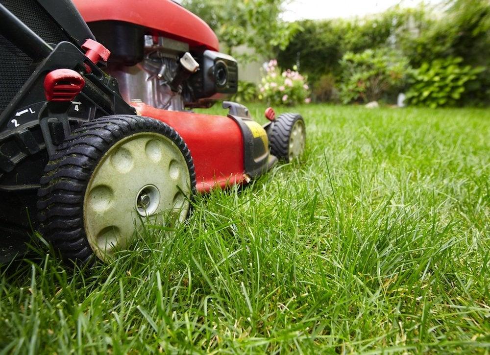 Lawn mower blade height