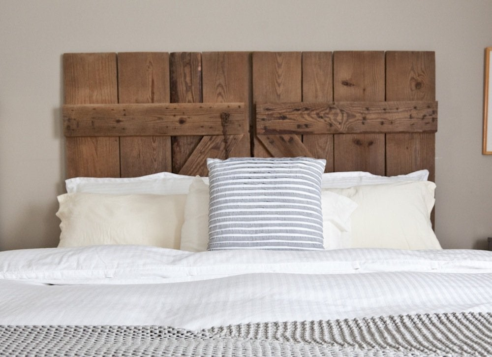 Barn_door_headboard