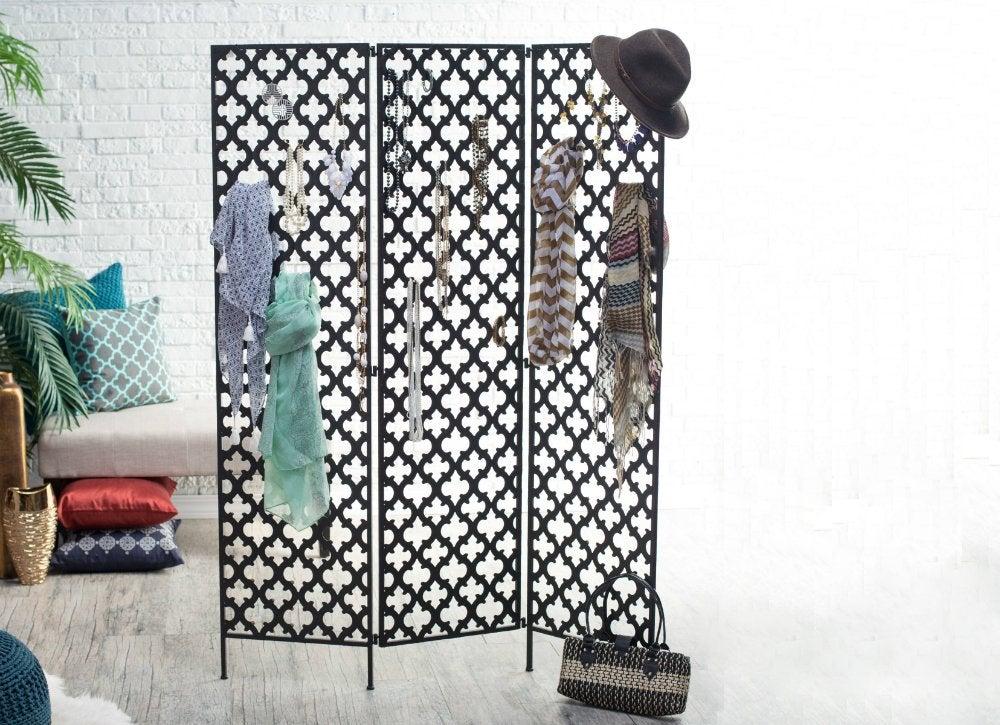 Room dividers   quatrefoil screen