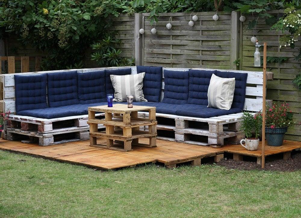 Outdoor hangouts   lounge