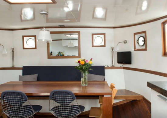Houseboat 9