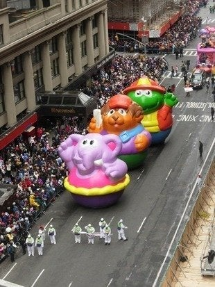 Labworks360 macys thanksgiving day parade three floats bob vila20111123 36322 1nwxo9q 0