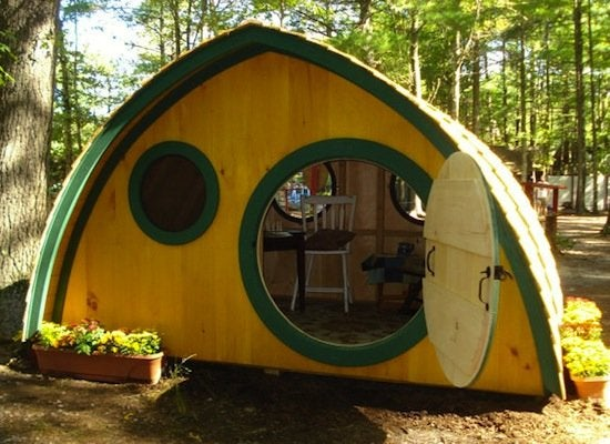 Hobbit_home_playhouse