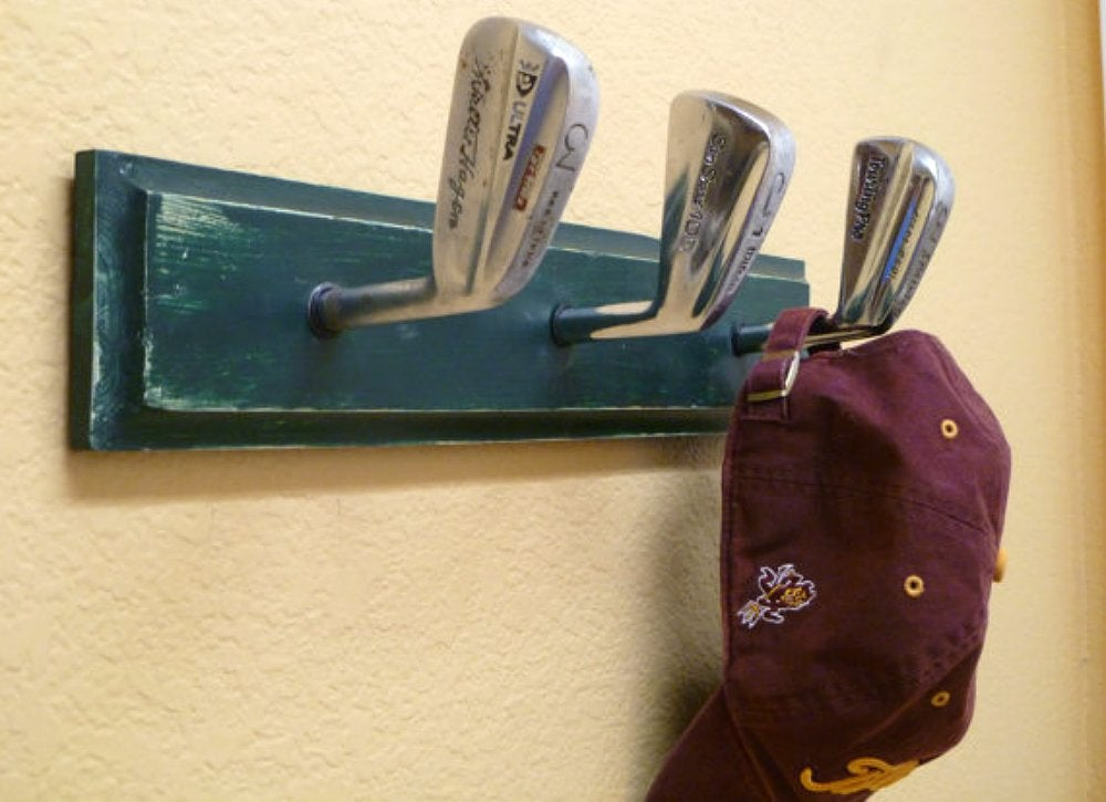 Sporting equipment   gold club rack1