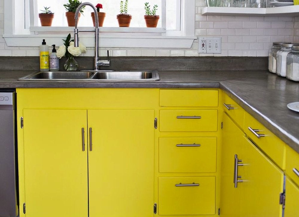Yellow_kitchen