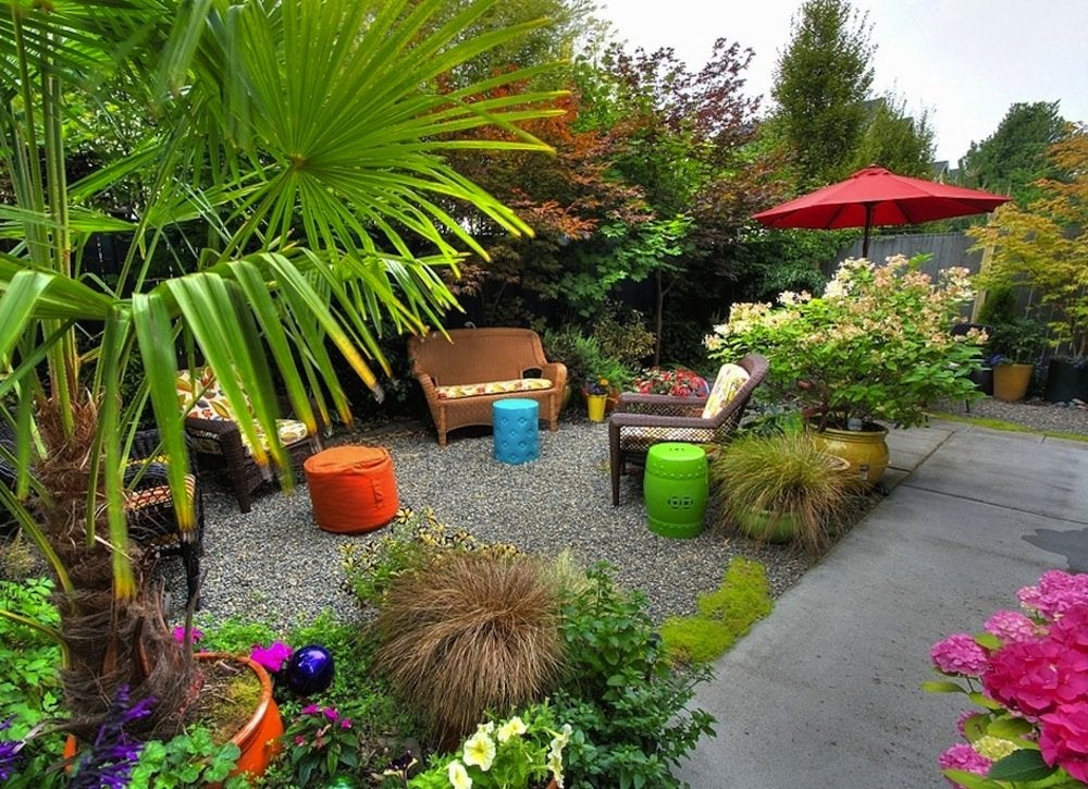 High Quality You Might Think That Keeping A Small Yard Open And Loosely Planned Would  Make It Feel Bigger, But The Opposite Is True. The Key To A More Spacious  Feeling ...