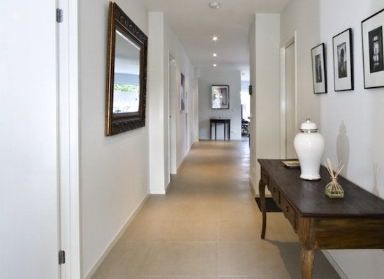 Hallway-vignette