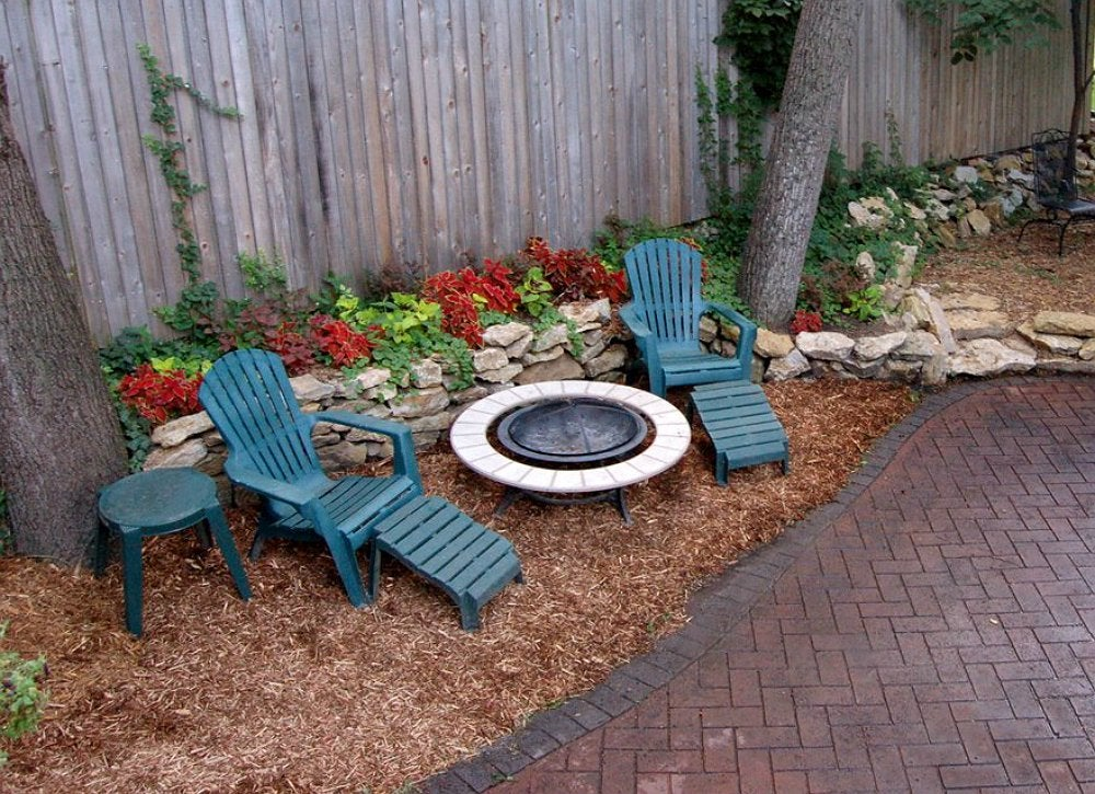 ground cover mulch backyard landscape ideas 8 lawn