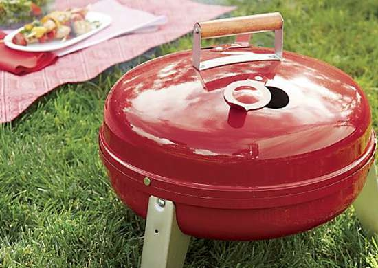 Red_camping_grill