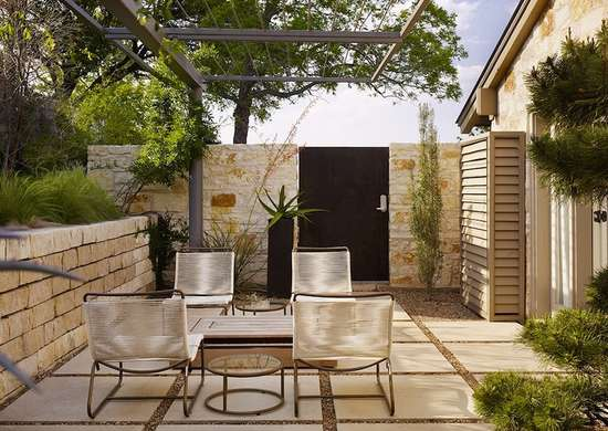 8 Ways To Upgrade Your Backyard With Pavers